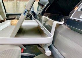 Auberg-ine dashboard table grip a.jpg