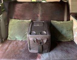 Auberg-ine armrest:storage:pick-nick isobag.jpg