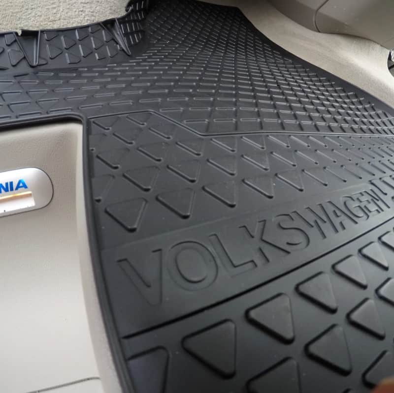 Genuine Volkswagen T5 T6 Front Rubber Floor Mats